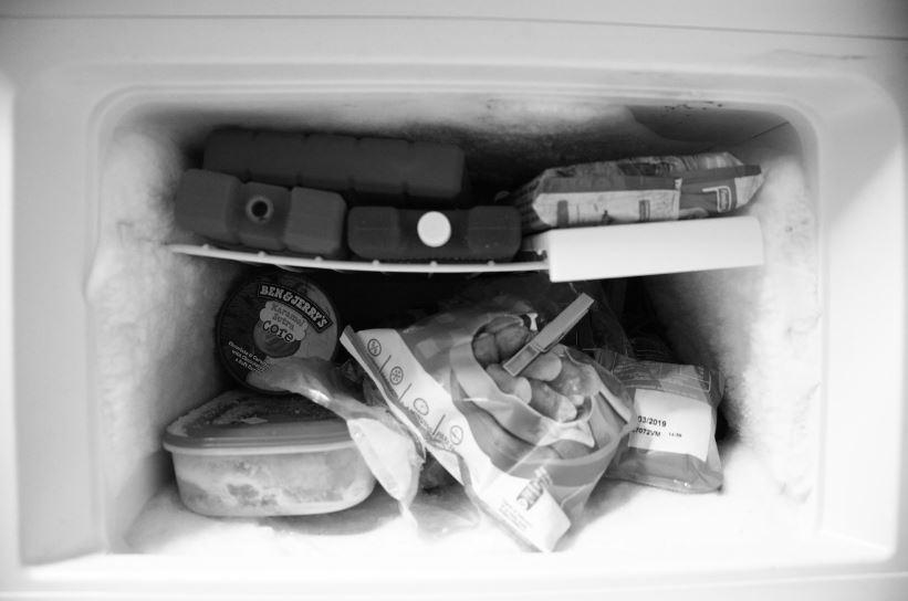 Gefrierschrank Ohne Abtauen : dank frischhaltefolie keine eisschichten im gefrierschrank ~ Watch28wear.com Haus und Dekorationen